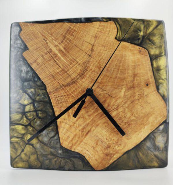 Wanduhr Epoxidharz Eichenholz